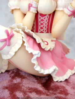 048 Frederica Miyamoto Little Devil Maid Phat recensione