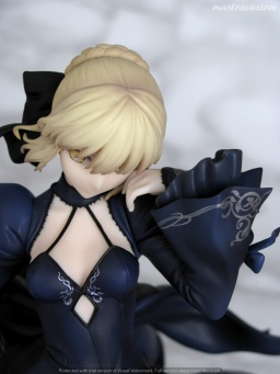 045 Saber Altria Pendragon Alter Dress ALTER recensione