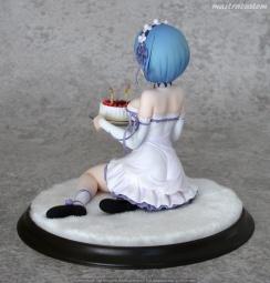 008 Rem Birthday Cake ReZERO Kadokawa recensione