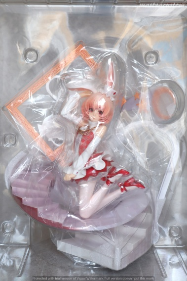 004 White Rabbit Fairy Tale Another Myethos recesione